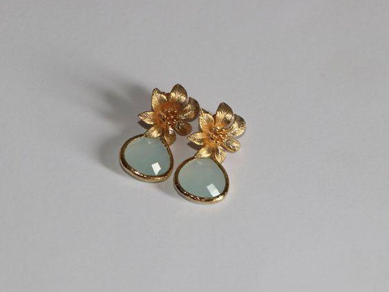 Kostenloser Versand. Gold Ohrringe mit Blume und von Paniculata