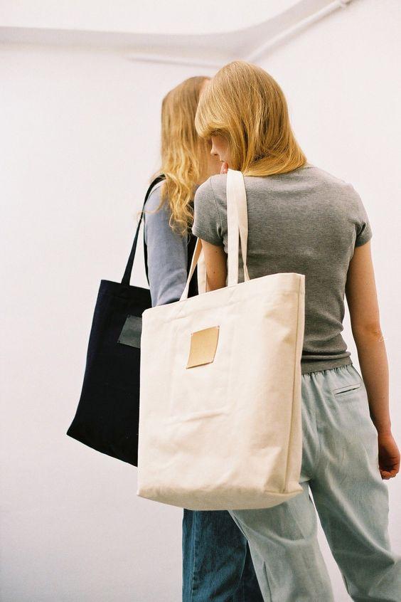 FINAL SALE: Label Bag Off White