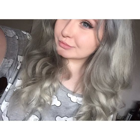 """So I went a little grey  #greyhair"""