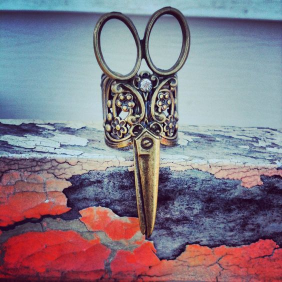 NEW+scissor+rhinestone+ring+antique+bronze+by+AnnabellandLouise,+$10.00