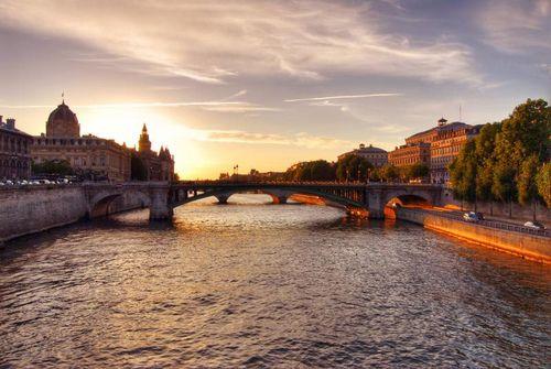 Sunset across The Seine, Paris