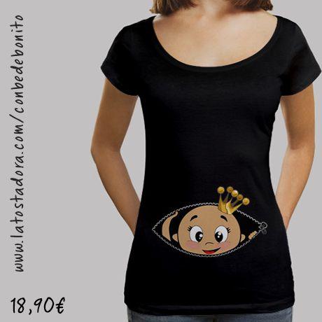 https://www.latostadora.com/conbedebonito/camiseta_cucu_bebe_asomando_cuello_ancho_negro/1418667