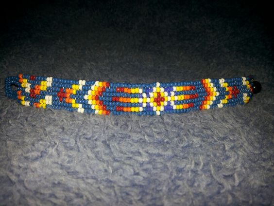 Pulseira de contas estilo nativo americano feita por mim