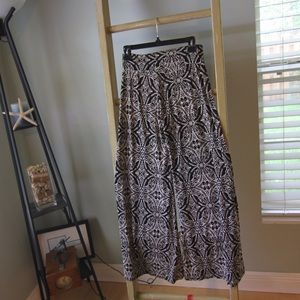 I just discovered this while shopping on Poshmark: LF tribal pants. Check it out! Price: $20 Size: M