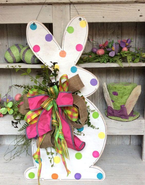 Decorating Ideas: Easter Bunny wreath - door hanger: