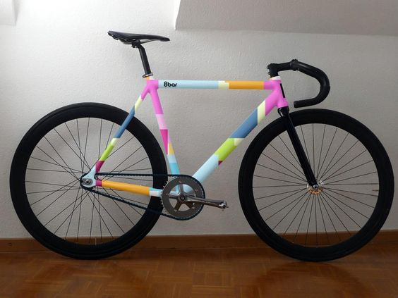"""#Fixie #bike #8bar  @dipentum31 this is the only bike with pink that I think I like, you know I've always loved """"boy bikes"""""""