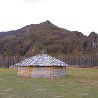 Tipica cabaña de Jakasia