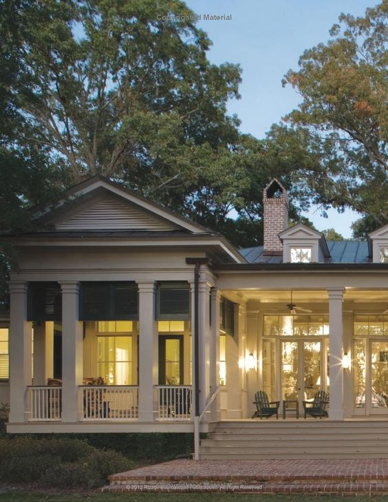 Coming home the southern vernacular house james lowell for Southern homes with porches