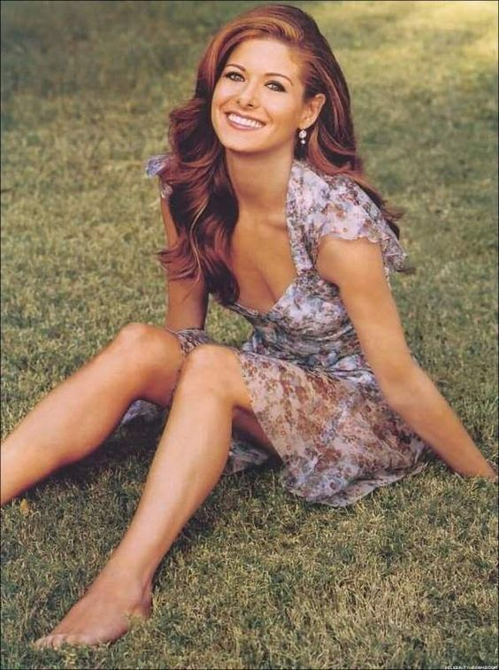 Debra Messing....must have the hair color!