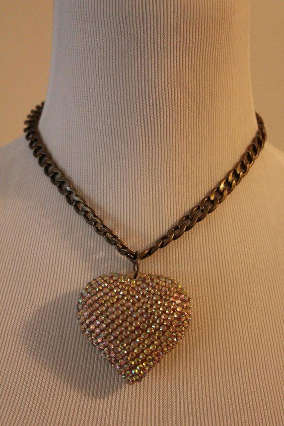 Beautiful Vintage Retro Boho Sparkly Gold Heart Chain Necklace Pendant $5.00