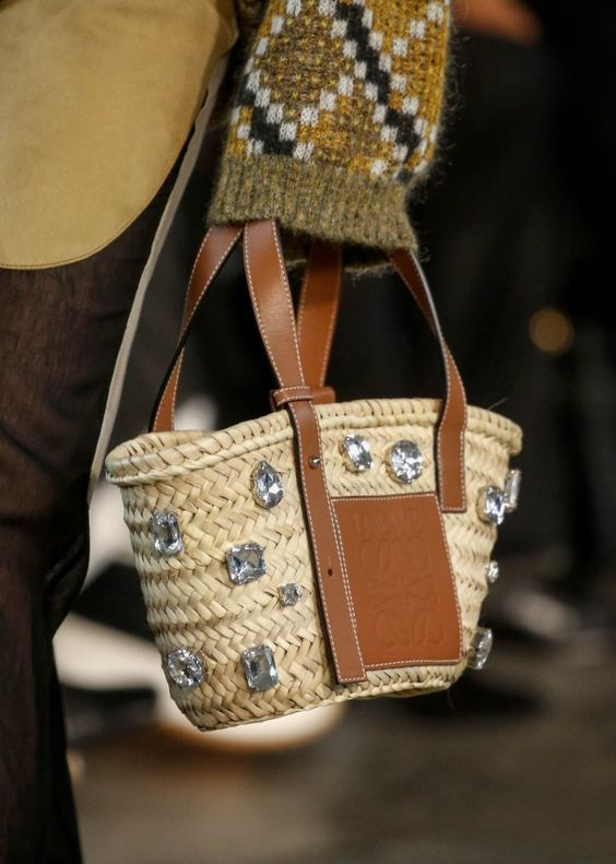Borse di paglia - mini bag con dettagli gioielli