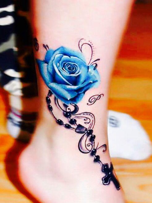 Katholische Tattoos für Frauen
