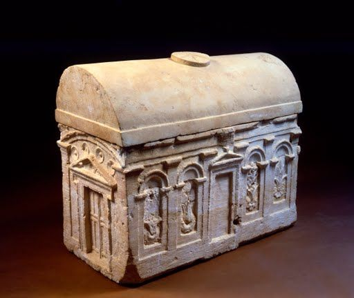 Ossuary bearing an architectural decoration - Herodian period, 1st century BCE