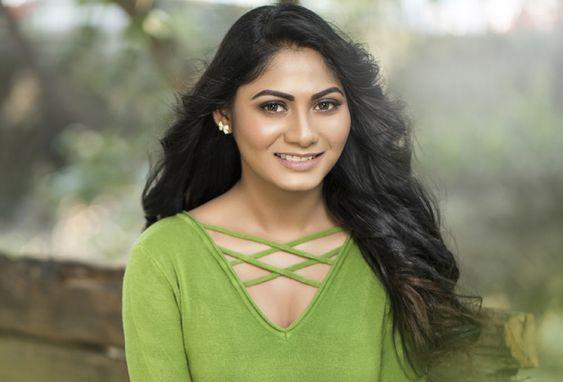 Actress Shruti Reddy New Photos