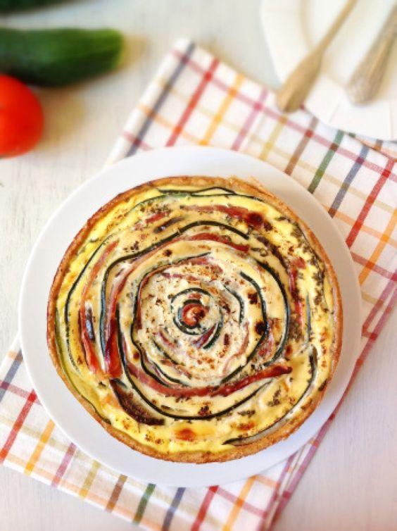 Pastel espiral con jamón y verduras. No dejes de tomar nota y probar este original pastel salado compartido por la autora del blog La Cuchara Azul. V