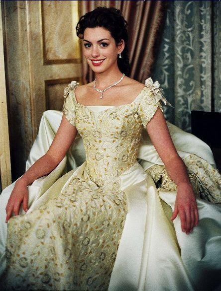 Mia Thermopolis Renaldi's (Anne Hathaway) coronation ball gown in the film 'The Princess Diaries 2'
