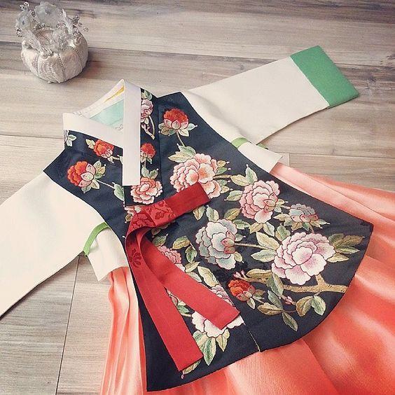 한복 Hanbok : Korean traditional clothes[dress] | Haute couture for babies