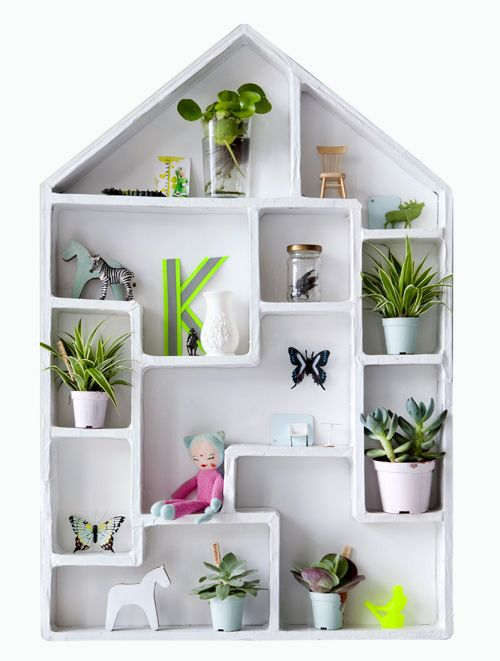 Cubby houses so cute and house on pinterest for Objet deco pour etagere