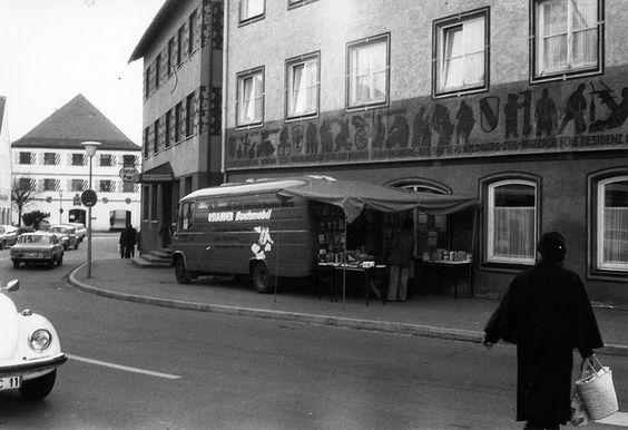 """From """"Wenn das Buch zum Leser kommt - das OSIANDER-Buchmobil"""" story by Osiandersche Buchhandlung on Storify — http://storify.com/OSIANDER/osiander-buchmobil-wenn-das-buch-zum-leser-kommt"""