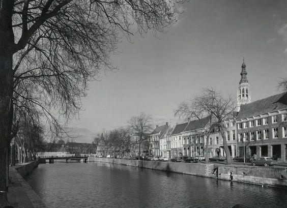 De oude Haven in 1964, vlak voor de demping.