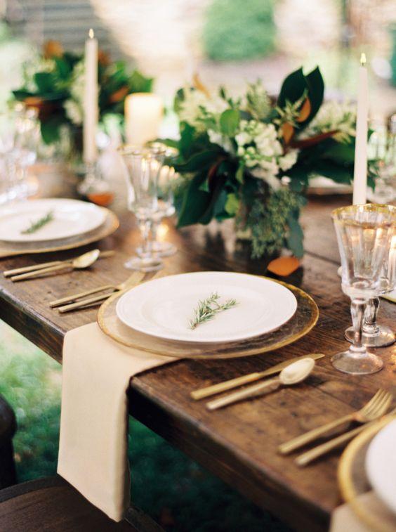 Enci, Cargadores De Oro De La Boda, Placas Claras, Placas De Oro, Placas Blancas, Gold Charger Plates Wedding, Gold Charger Plate Wed, Gold Cutlery Table ...