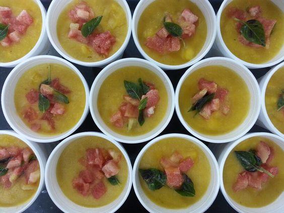 Sopa de Mandioquinha com Tomates e Manjericão