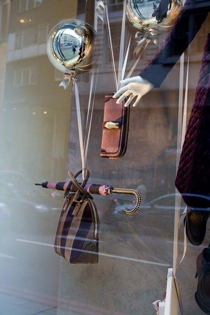 Burberry holiday windows display