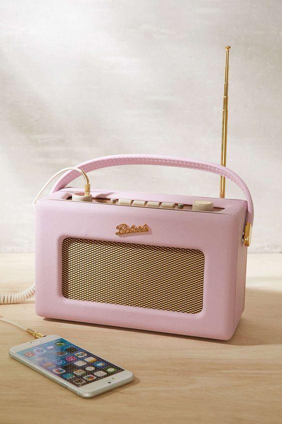 Roberts Radio Revival Radio #helloretro #UO  #privatearts: