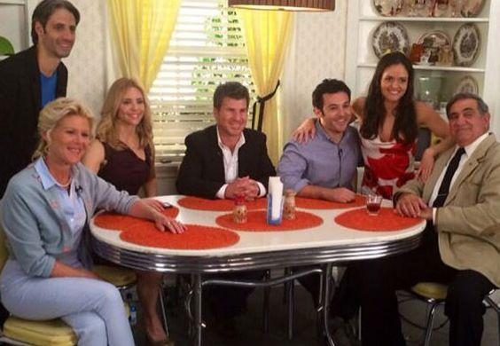 Alley Mills, Josh Saviano, Olivia d'Abo, Jason Hervey, Fred Savage, Danica McKellar e Dan Lauria (Foto: Reprodução/Twitter)