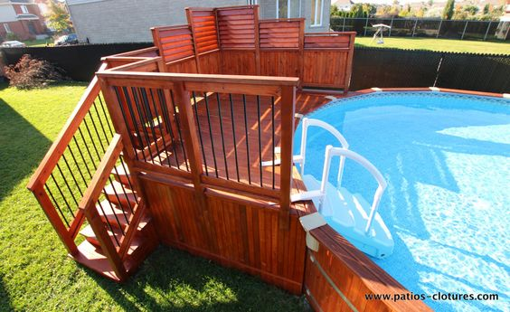 Deck de piscine hors terre en c dre isabelle 1 un jardin for Backwash piscine hors terre