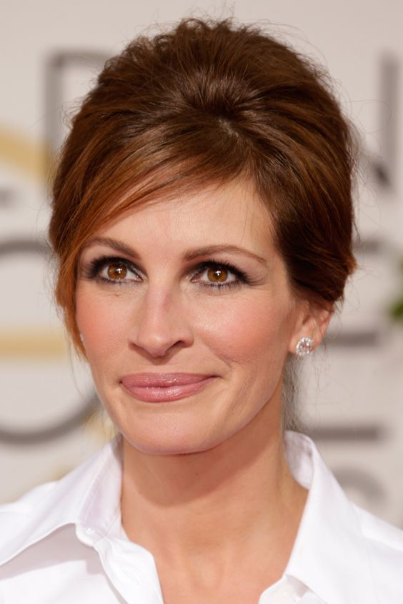 Serge Normant Gives Us the Scoop on Julia Roberts's '60s Updo  Love this color red