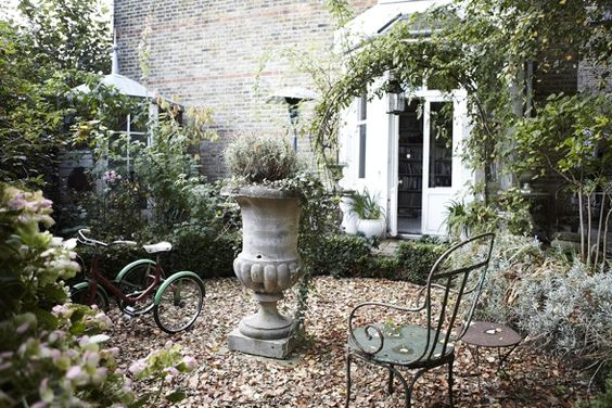 very Victorian garden... relaxed and welcoming - even if it is cold.: