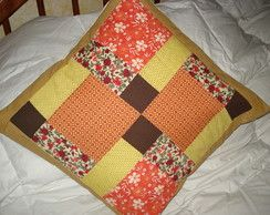 Capa para almofada em patchwork.