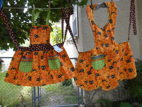 Mom Daughter Aprons Halloween Pumpkins and by ArtyApronsAndSuch, $62.00