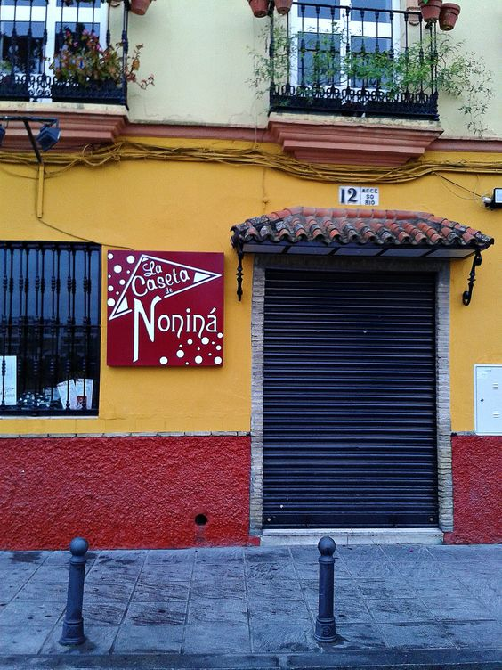 Bar de la Calle Betis, Sevilla.