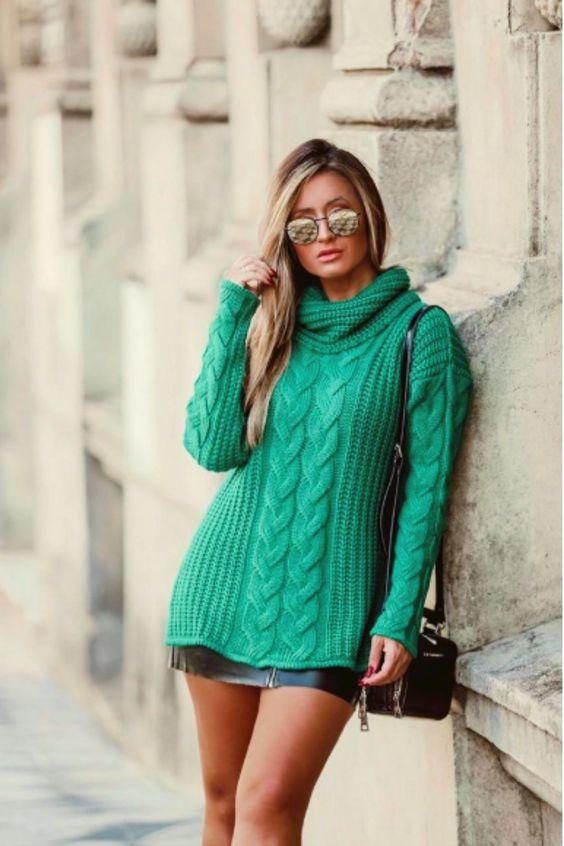 Ideia de blusa pro inverno. #blusatricofeminina #tricot #tricotmadrid #tricrô #tricrôecrochê #blusatricofemininainverno #inverno #inverno2020 #inverno2020tendências #modafeminina #tendênciainverno #trico #tricotmadriverde #golão #compraonline