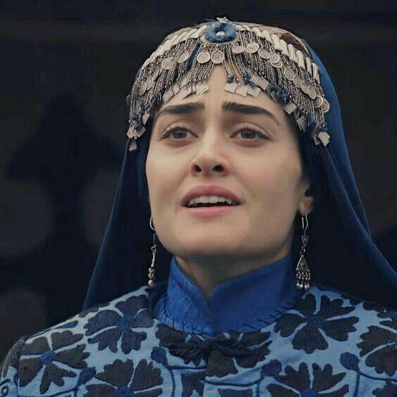 Pin by Maya khaani on Celebrity in 2020 | Esra bilgic, Turkish women  beautiful, Turkish beauty
