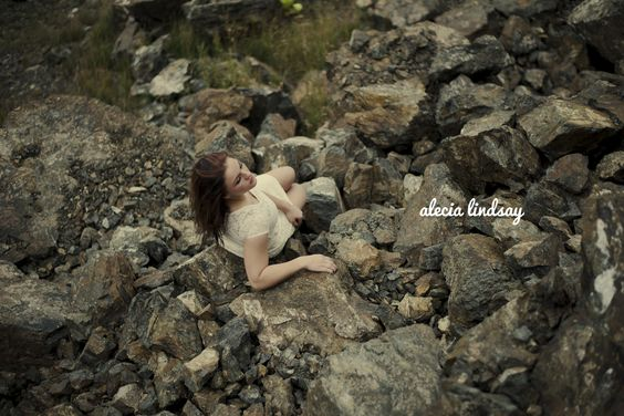 #Senior #portraits in #Washington #Seattle area and #Anchorage #Alaska #Adventure #outdoor #portraits AleciaLindsay.com