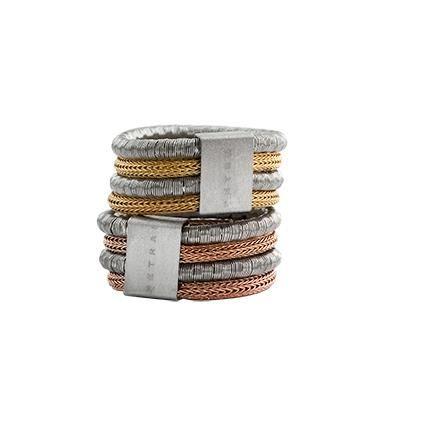 Anillos en malla de plata con distintas combinaciones de colores