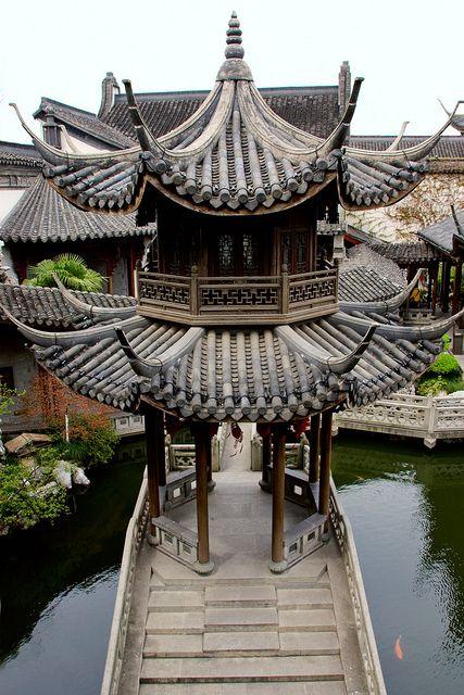 Pavillion at the Hu Xue-yan House in Hangzhou