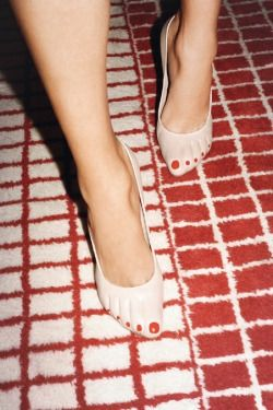 Why bother with pedicures when these shoes instantly give you perfect feet?!!