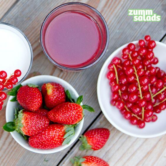 BIOPLACERES · El disfrute de un #zumo auténtico empieza antes de beberlo, con el olor de las #frutas en su punto exacto de maduración  Excellent #fruits are the secret to our #juices! {2,75€}