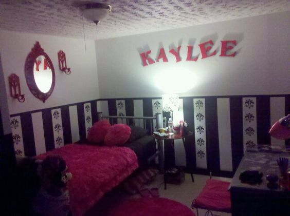Kaylee asked for a room makeover for her 15th Birthday - voila!