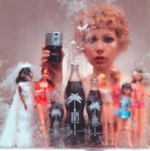 Barbie Sammlung Fotoschuss In 2019 Afri Cola Kunstdruck Und