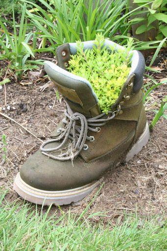 DIY: Recicla tus botas como macetas