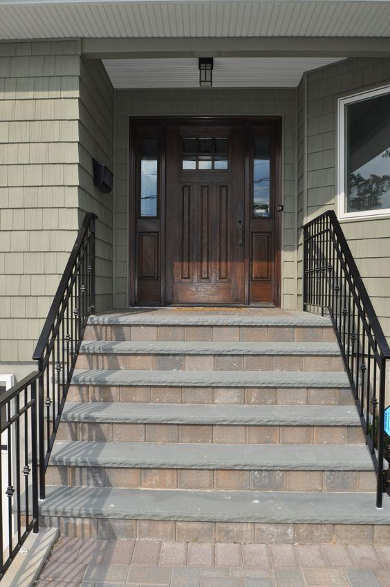 Bluestone Steps with Paver Risers