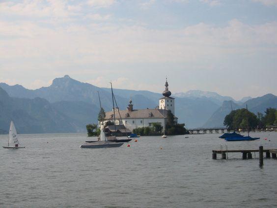 Das Salzkammergut, Seeblick und Bergkulisse garantiert - Schloss Orth am Traunsee