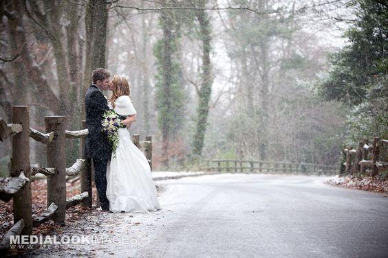 Kış düğünü Winter wedding photography at Crawfordsburn Old Inn