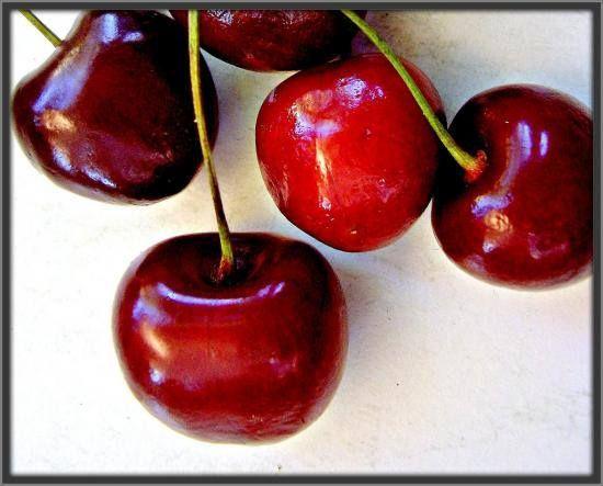 Carte virtuelle Tasty Cherries http://bit.ly/1qrJODp #CartePostale #Wallpaper