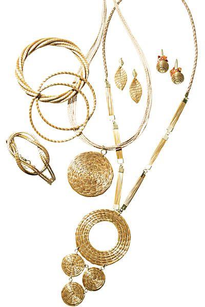 Bijuterias feitas de capim dourado